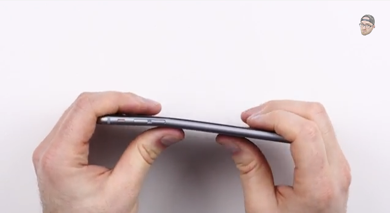 Apple: Only 9 customers have complained about 'Bendgate'