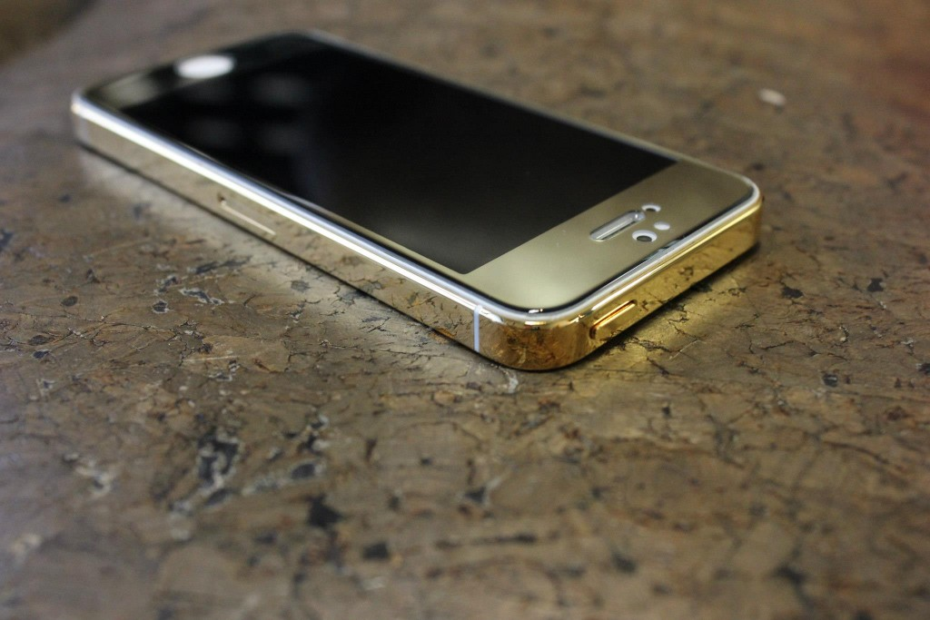 Gold Plated iPhone top view - Fix My Touch Kelowna