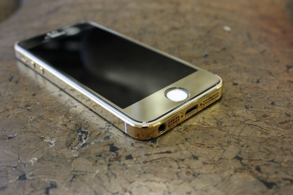 Gold Plated iPhone bottom view - Fix My Touch Kelowna