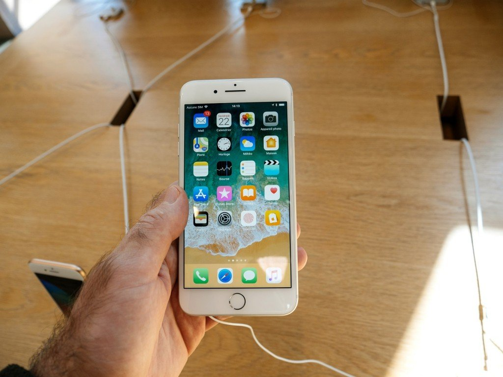 iPhone 8 best cell phone options for seniors