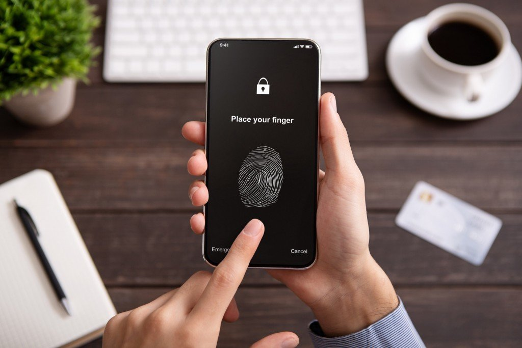 Should You Be Using Mobile Biometrics to Unlock Your Phone?