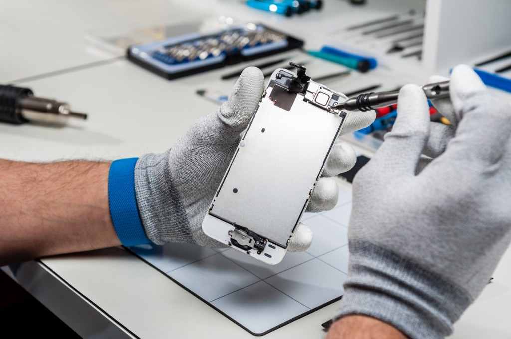 How Smartphone Repair Centres Actually Fix Your Phone